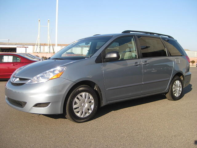 How We Paid Cash for a 2008 Toyota Sienna Mini-Van
