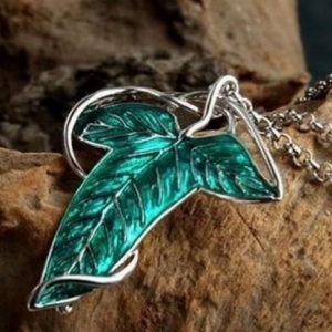 Arwen lord of the rings necklace 369 free shipping if youre a fan of lord of the rings this elven broochnecklace is also available for 232 with free shipping aloadofball Choice Image
