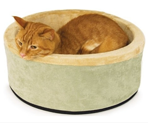 Amazon: K&H Thermo-Kitty Heated Cat Bed $21.61 (68% Off)