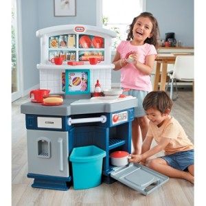 Walmart: Little Tikes Cook With Me Kitchen Only $38.99 Shipped! (Reg.$72.45)