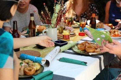 How to Host a Budget-Friendly Dinner Party